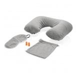P786.002 - Komfortná cestovná sada, nafukovací vankúš so snímateľným poťahom, mäkká maska na spanie a štuple do uší v puzdre